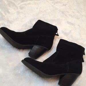 Steve Madden Rannit Leather Suede Booties